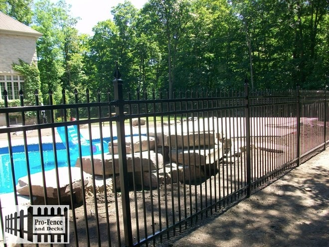 Ornamental Iron ARISTOCRAT DR (MEDALLION FENCE)