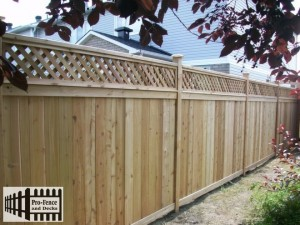 CEDAR PRIVACY FENCE WITH PRIVACY LATTICE